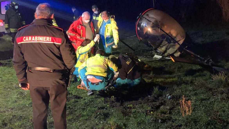 Precipita un elicottero: muore una donna, è grave il pilota