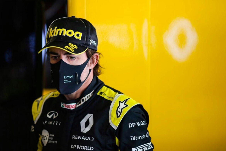Investito Fernando Alonso: si temono fratture per il pilota spagnolo