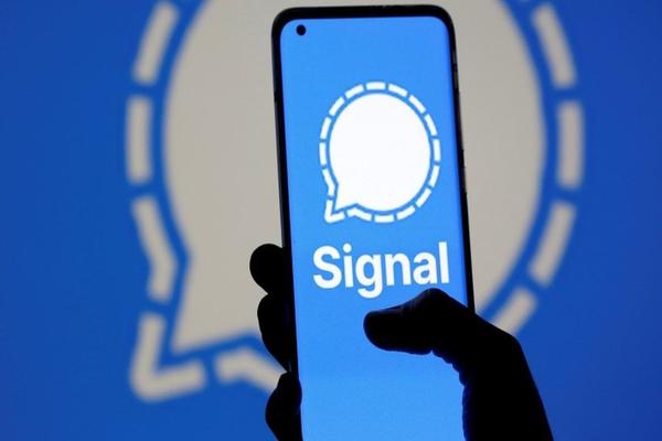 La truffa su Signal. Parte il raggiro del finto iPhone 12 in regalo