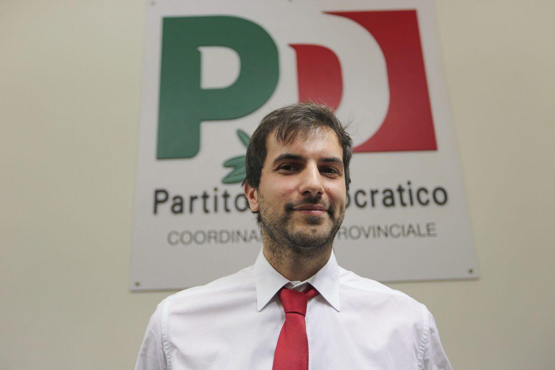 """Harakiri Pd. L'alleanza col M5S (con Fico sindaco) spiana la strada al """"Terzo Polo"""". I dettagli"""