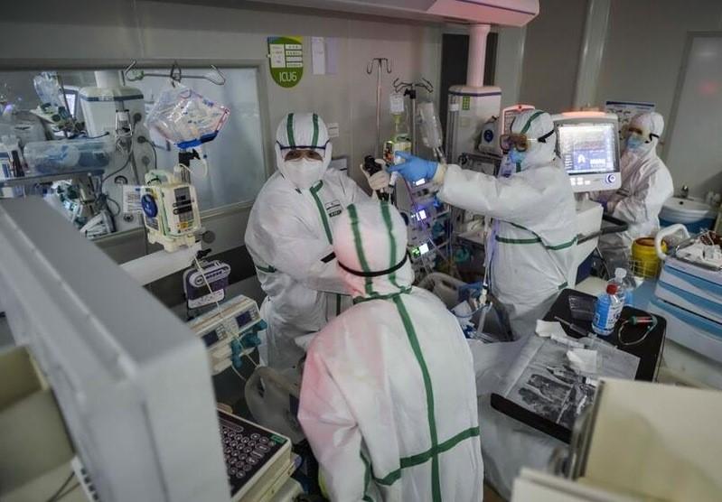Coronavirus, la variante Delta non si placa