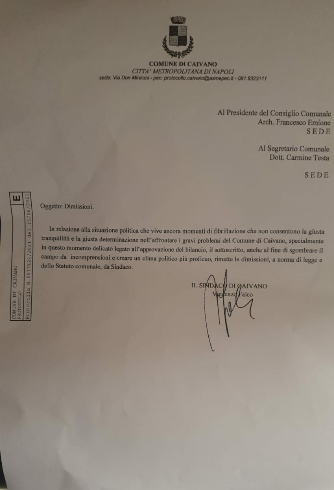 Caivano, Enzo Falco si dimette