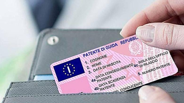 Covid, prorogato stato di emergenza. Nuove proroghe per patenti, foglio rosa e revisioni