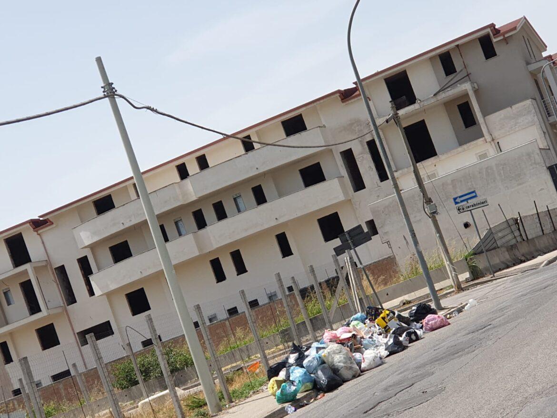 Parco Verde a Caivano nel caos rifiuti
