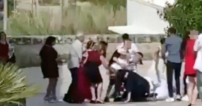 Lecce, matrimonio finisce in rissa: botte tra sposo e testimone [VIDEO]